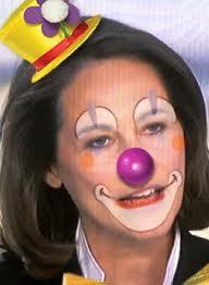 Le clown avec le nez rouge se nomme...