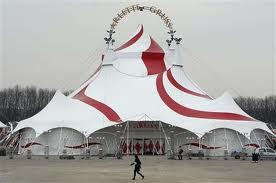 Au cirque, le numéro des fauves s'appele...