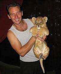 Des bébés fauves sont issus du croisement entre lions et tigres, comment les appele t-on?